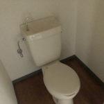 トイレは少し広め