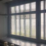 キッチンの窓はレトロなガラス(キッチン)