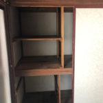 2階和室押入。猫さんが遊べそうな棚がありました。