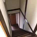 階段を猫さんがのぼりおりできます