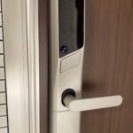 玄関は電子キーです