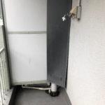バルコニーの洗濯機置き場。